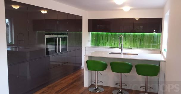 Splashback full height glass - iWorktops