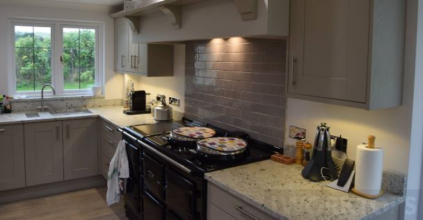 Splashback tiled with upstands - iWorktops